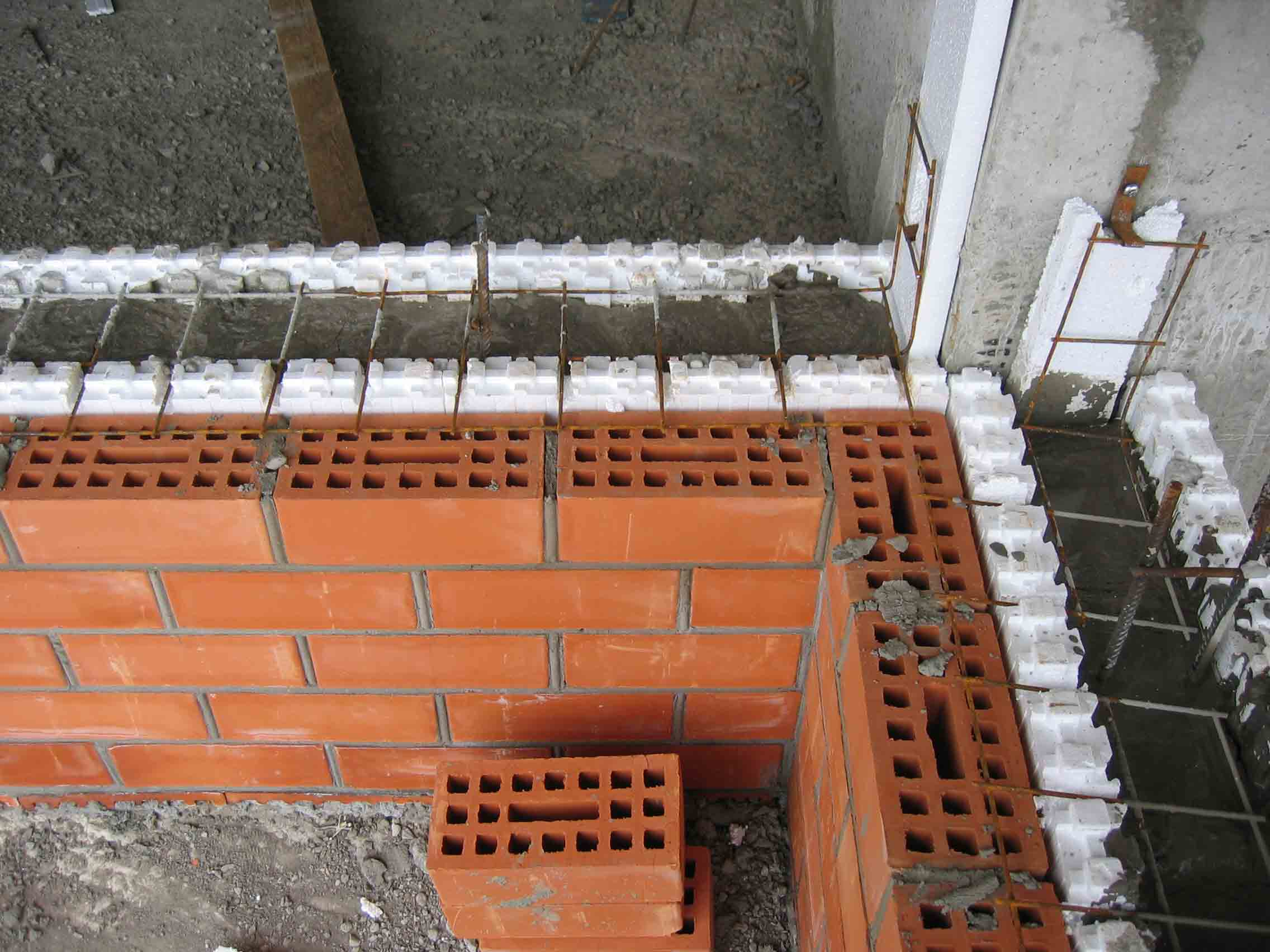 Поэтапное строительство кирпичного дома своими руками фото